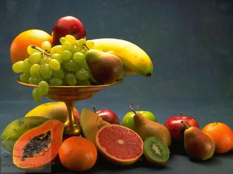آداب الاكل Orange-grapefruit-banana-grapes-pear-apple-tangerine
